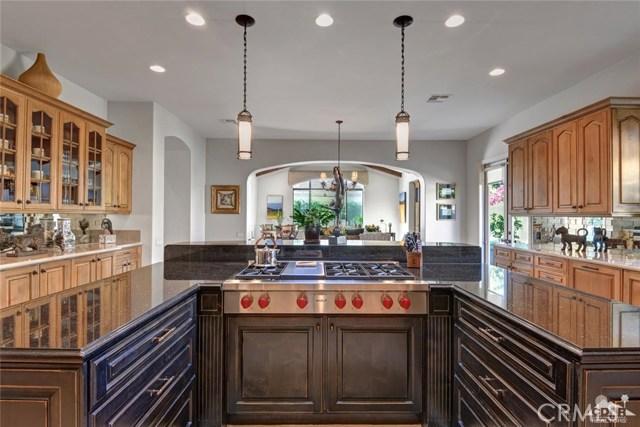 15 Villaggio Place, Rancho Mirage CA: http://media.crmls.org/medias/9d370062-4bf6-4752-b227-8c2184d412f7.jpg