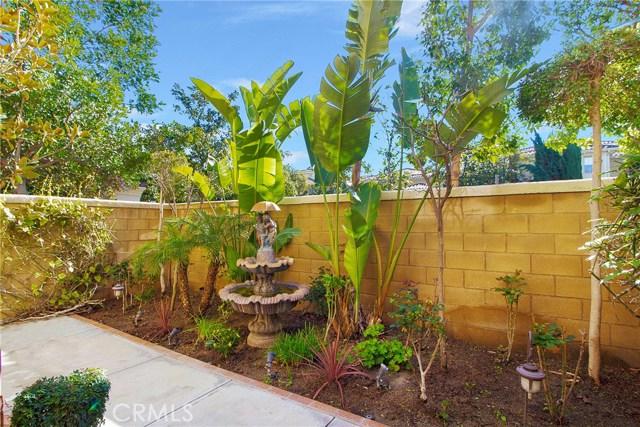 95 Chantilly, Irvine CA: http://media.crmls.org/medias/9d40c4b8-4a92-47ca-be7e-05c42156e838.jpg