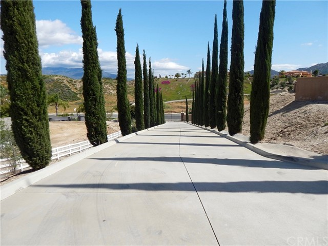 30820 Jedediah Smith Rd, Temecula, CA 92592 Photo 3