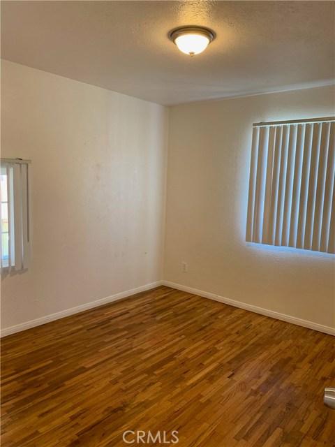 1035 Laurel Avenue, Pomona CA: http://media.crmls.org/medias/9d44f578-7449-4f2c-a93b-42aacf4a9944.jpg