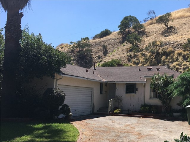 8457 Petaluma Dr, Sun Valley, CA 91352 Photo