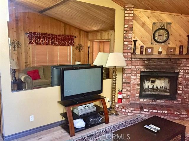 662 Butte Avenue, Big Bear CA: http://media.crmls.org/medias/9d4fbec5-c54e-4c3d-9ff0-f6ad757c673d.jpg