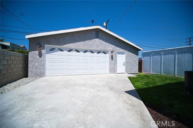 2327 S Cloverdale Avenue, Los Angeles CA: http://media.crmls.org/medias/9d561db5-9d66-43c2-9a6d-f1a07039d2a4.jpg