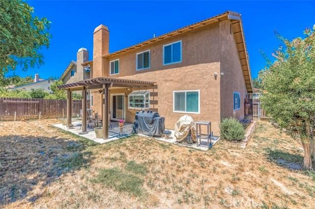 26 N Slope Lane, Phillips Ranch CA: http://media.crmls.org/medias/9d7ce3ae-d94f-422c-9bb5-e07c5854d6fb.jpg