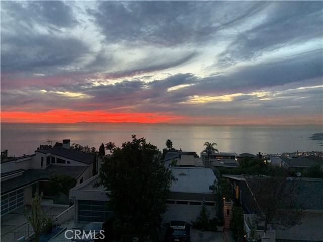 1040 La Mirada Street, Laguna Beach CA: http://media.crmls.org/medias/9d89e188-b82b-4921-b877-c6d8c9153adf.jpg