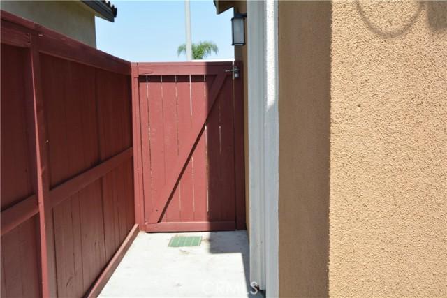12892 Pomelo Lane, Garden Grove CA: http://media.crmls.org/medias/9d8fb7e0-4d7f-49fe-88a6-37d386b8c976.jpg