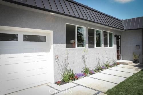 Single Family Home for Sale at 7331 Oak Park Avenue Lake Balboa, California 91406 United States
