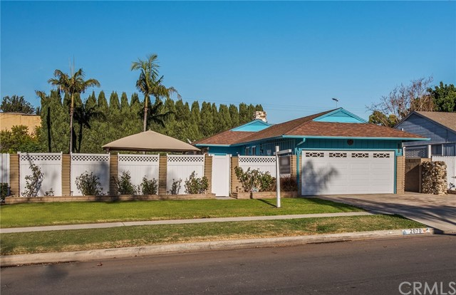 2070 Knoxville Avenue Long Beach, CA 90815 - MLS #: PW18029879