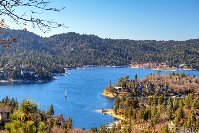 29031 Mammoth Drive, Lake Arrowhead, CA 92352
