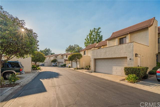 875 Endicott Drive, Claremont CA: http://media.crmls.org/medias/9db068bd-0833-4cc0-b64e-bf3b1653ace5.jpg