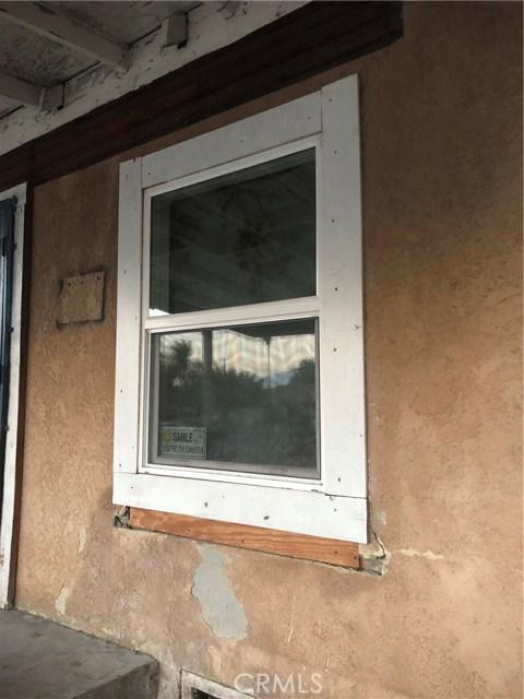 950 Beverly Road, Corona CA: http://media.crmls.org/medias/9db5b9a9-1313-4160-8940-07a0cbd67957.jpg