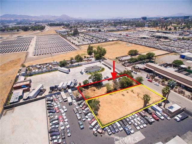 845 Preston Street, San Bernardino CA: http://media.crmls.org/medias/9dbcc41f-bf5e-4bda-9d20-b587ee8d5829.jpg