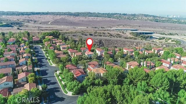 40 Gardenpath, Irvine CA: http://media.crmls.org/medias/9dd6b122-782b-4154-847f-b01562efba33.jpg