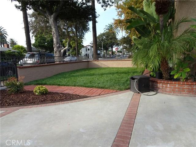 2474 Maine Avenue, Long Beach CA: http://media.crmls.org/medias/9dd9717b-3059-46cf-b0bd-f348264d9fcd.jpg