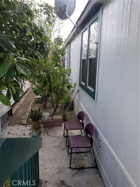 3050 W Ball Road, Anaheim CA: http://media.crmls.org/medias/9de5d5d4-3c84-49a8-85a7-ef659c25b20f.jpg
