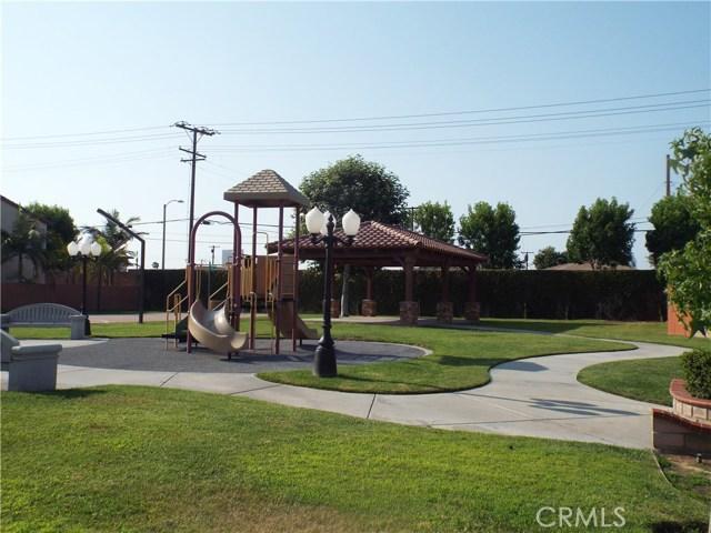 228 Cambria Drive, Carson CA: http://media.crmls.org/medias/9de63bf5-2587-4101-9a61-71c0d19a6702.jpg