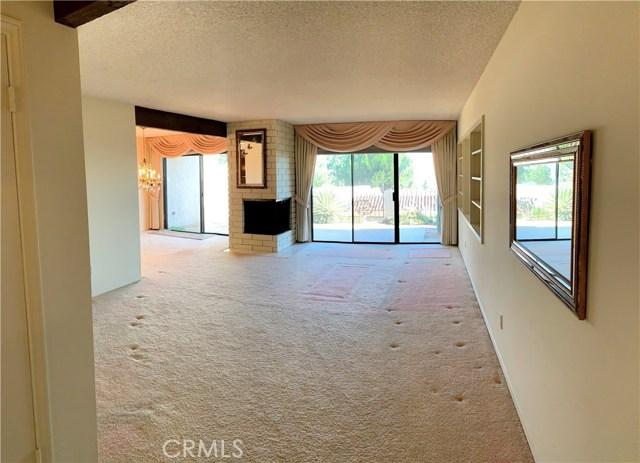 834 W Highpoint Drive, Claremont CA: http://media.crmls.org/medias/9de81e9c-34c7-4e58-bd1f-64a84e94c191.jpg