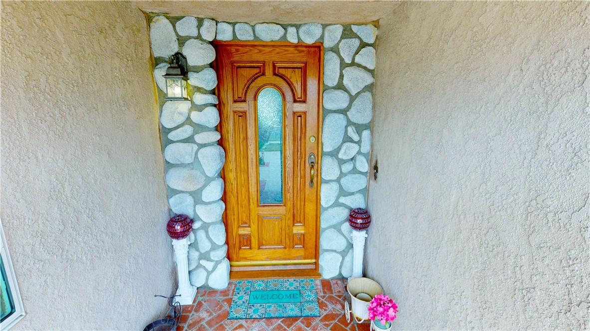 1838 W Chateau Avenue, Anaheim CA: http://media.crmls.org/medias/9de973b3-34f7-4a1e-80f8-fbbd10ce0b6b.jpg