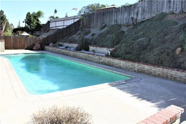 5980 Kitty Hawk Drive, Riverside CA: http://media.crmls.org/medias/9df491c0-6d06-45f1-9657-4763b33f1264.jpg