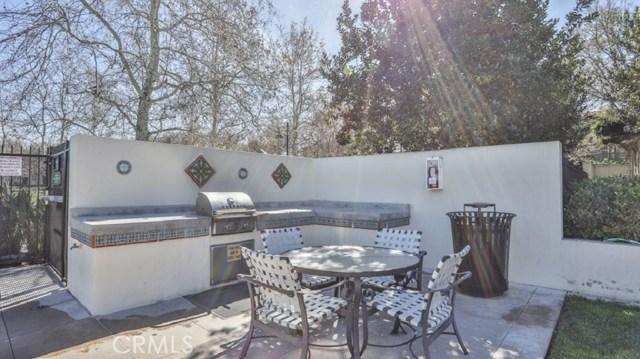 29 Flowerbud, Irvine CA: http://media.crmls.org/medias/9df493c6-3696-48d1-83f1-a2ac032be252.jpg