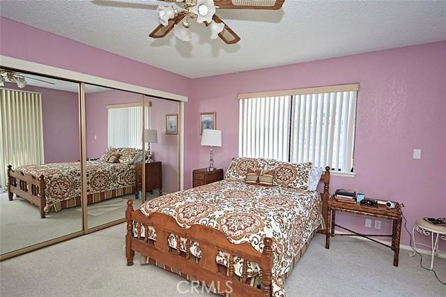 13330 Palos Grande Drive, Victorville CA: http://media.crmls.org/medias/9df4eb6c-9526-4b96-bed5-852f61e9000b.jpg