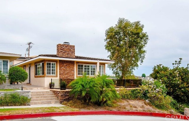 311 Fernleaf Avenue, Corona del Mar, CA 92625
