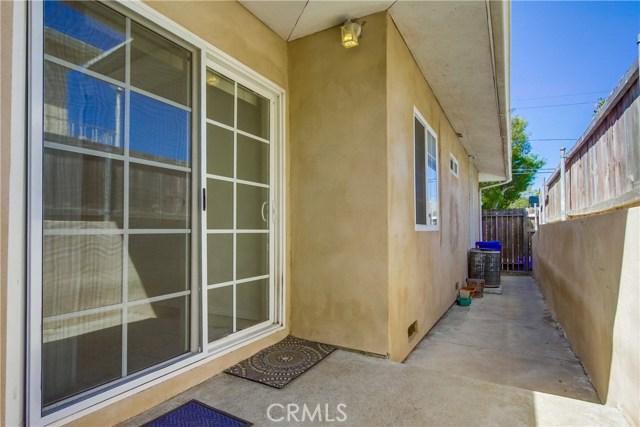 130 W Lewis, San Diego CA: http://media.crmls.org/medias/9e0669e4-2d04-4ff9-a30c-7c05945421a5.jpg