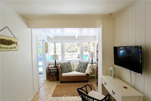 460 Saint Anns Drive, Laguna Beach CA: http://media.crmls.org/medias/9e3125a2-ff32-4827-a0cc-2ead9384a5e7.jpg