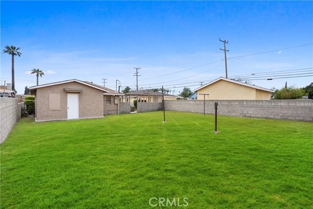 1086 W 10th Street, San Bernardino CA: http://media.crmls.org/medias/9e352e66-6972-4917-9808-11a47ef83ee3.jpg