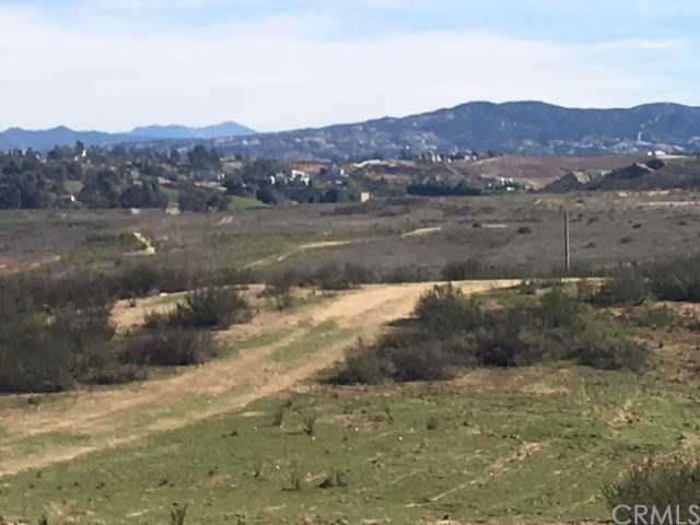 Additional photo for property listing at 39830 Cantrell Road  Temecula, California 92591 United States