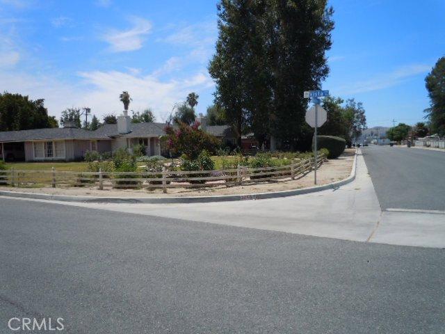 3245 Vista Way Hemet CA  92544