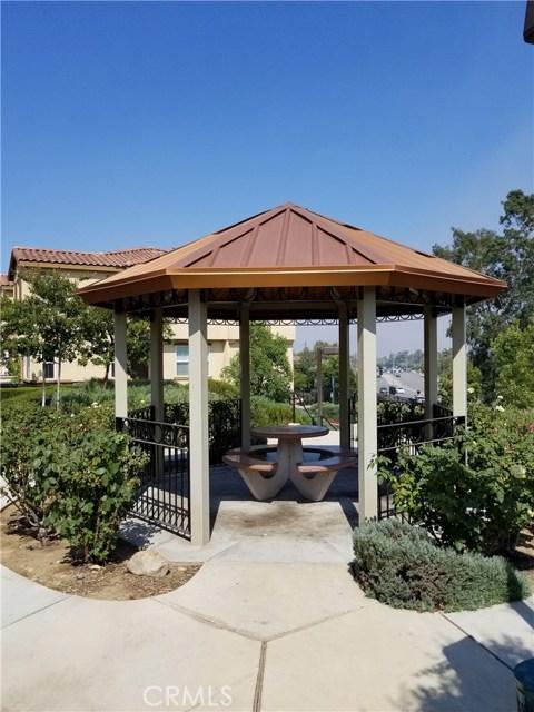 8072 Cresta Bella Road, Rancho Cucamonga CA: http://media.crmls.org/medias/9e526e3f-f628-48c6-b124-64281fb96143.jpg