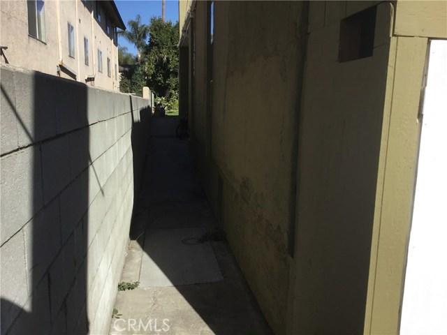 4302 Russell Avenue, Los Angeles CA: http://media.crmls.org/medias/9e554a14-4c2f-422f-905e-505a71d42d80.jpg