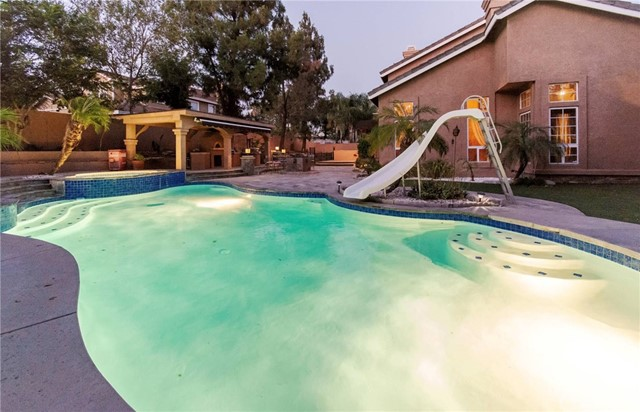 14058 Pearson Court, Rancho Cucamonga CA: http://media.crmls.org/medias/9e5956c8-24fc-4e67-8576-6300a02709ee.jpg