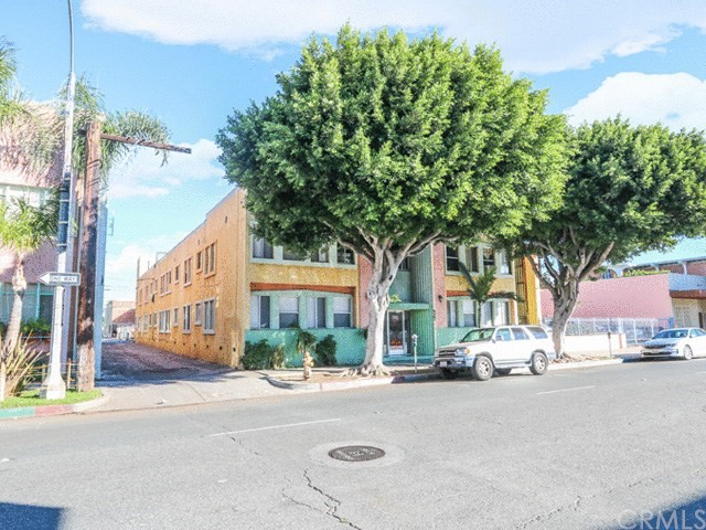 Residential Income for Sale at 527 E 3rd Street 527 E 3rd Street Long Beach, California 90802 United States
