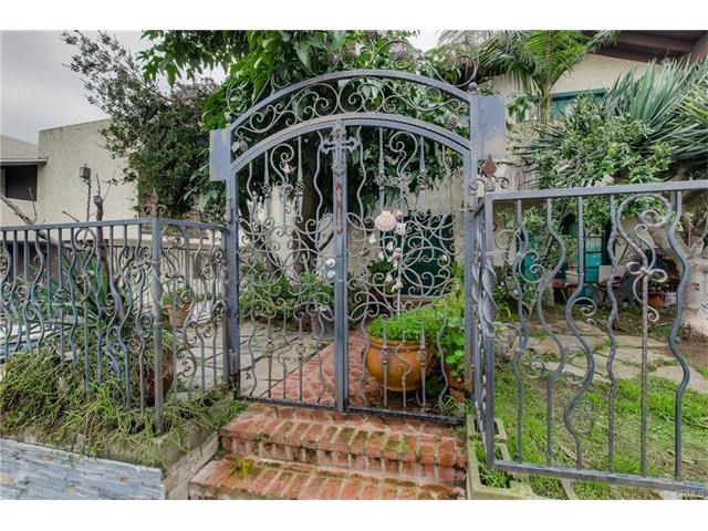 2704 Ruhland Ave. Redondo Beach, CA 90278 is listed for sale as MLS Listing RS17025214