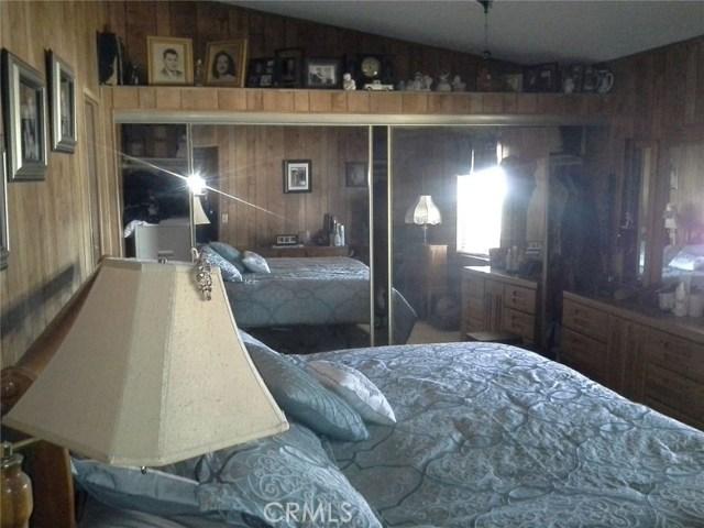 6973 Kouries Way, Oak Hills CA: http://media.crmls.org/medias/9e66baca-6c21-4b9f-aa05-3a6715af7b7f.jpg