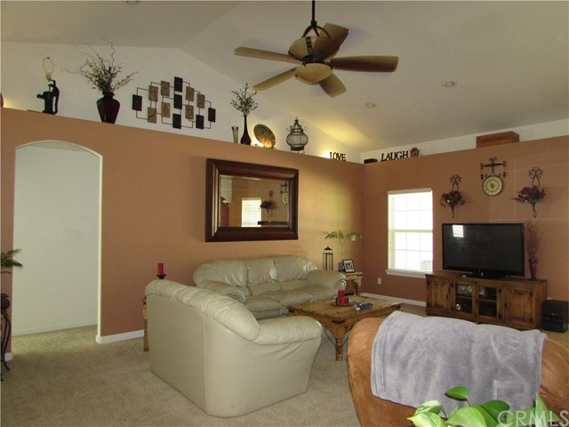 815 Eva Way, Lakeport CA: http://media.crmls.org/medias/9e7c8342-8cf3-4834-a726-1a6c8704db21.jpg