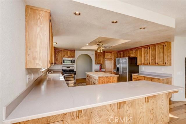 764 Rainbow Hills Road, Fallbrook CA: http://media.crmls.org/medias/9e8628d6-b7f8-4b41-a717-a8d36acf4392.jpg