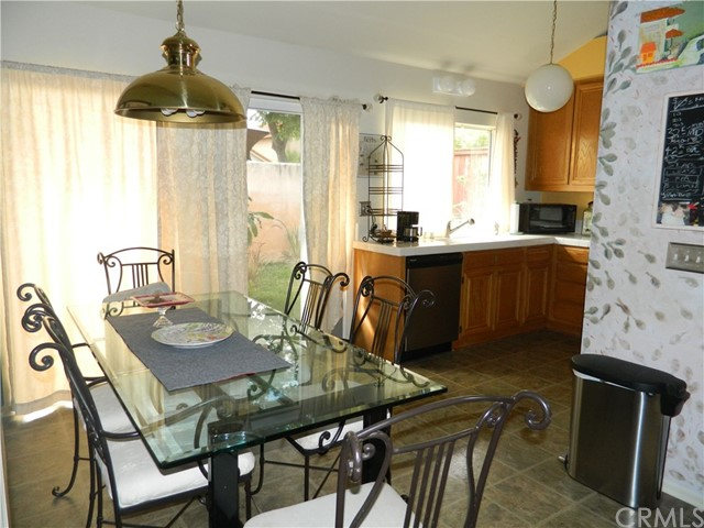 19 Alumbre, Rancho Santa Margarita CA: http://media.crmls.org/medias/9e88ed16-2ead-4c1d-a4b5-495df48b0f81.jpg