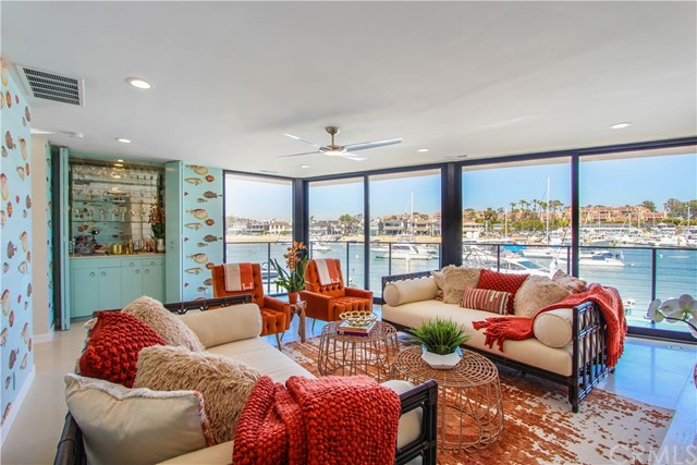 Photo of 305 N Bay Front, Newport Beach, CA 92662