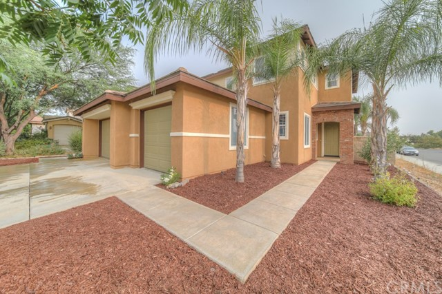 Photo of 31865 Honeysuckle Circle, Winchester, CA 92596