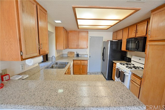 13555 Avenal Street,Hesperia,CA 92345, USA