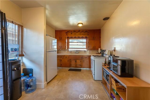3707 Cerritos Avenue, Long Beach CA: http://media.crmls.org/medias/9ec370dc-1608-4506-a03a-db465c6c48c2.jpg