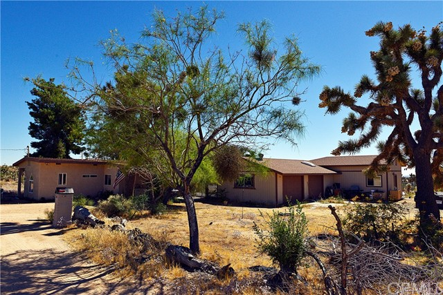 4987 Roberts Rd, Yucca Valley, CA 92284 Photo
