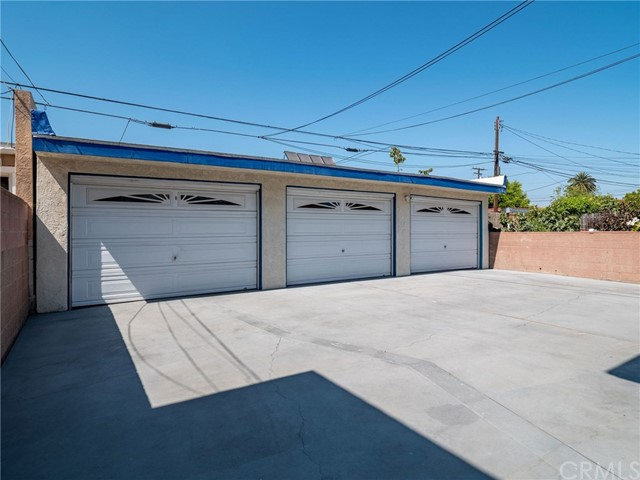 4527 116th, Hawthorne, California 90250, ,Residential Income,For Sale,116th,SB20151586