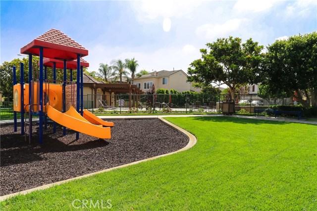 18611 Park Ridge Lane, Huntington Beach CA: http://media.crmls.org/medias/9f01049f-e81d-415d-a2bf-8b0f9cb8d1d1.jpg