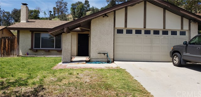 28257 Winterdale Drive, Canyon Country CA: http://media.crmls.org/medias/9f03eedd-347d-446d-b420-a5cce3a33506.jpg