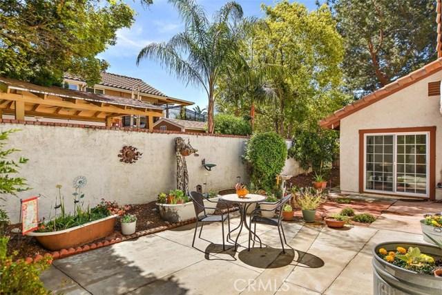 10425 Poplar Street, Rancho Cucamonga CA: http://media.crmls.org/medias/9f097f70-8600-473d-aac2-eb22359ad6af.jpg