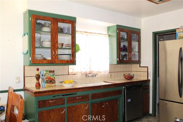 2464 Endicott Street, El Sereno CA: http://media.crmls.org/medias/9f0ee435-baa3-4966-b126-6f0fb2690522.jpg